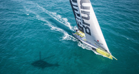 December 13, 2014. Team Brunel arrive in Abu Dhabi as the wins to Leg 2!