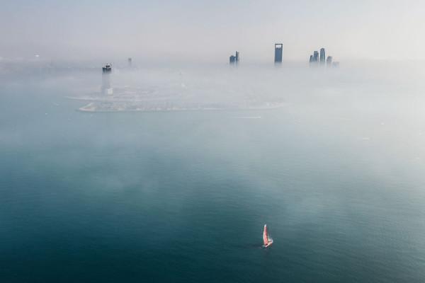 """""""Ganar esta etapa puede ser más importante que ganar la Volvo Ocean Race entera"""" - Charles Caudrelier mientras Dongfeng se alejaba de AbuDhabi. © Ainhoa Sanchez"""