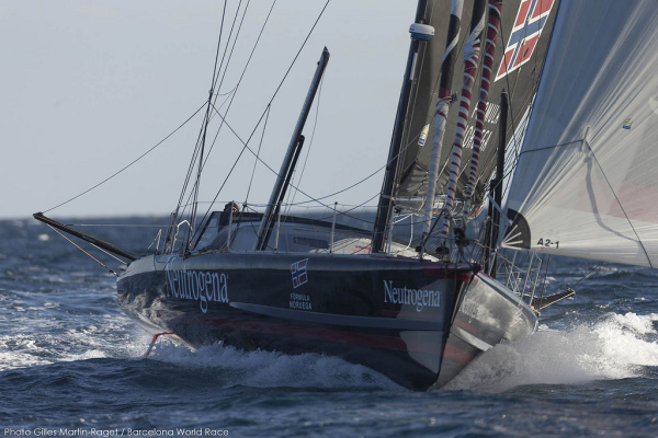 Barcelona World Race 2014/2015 Neutrogena © Gilles Martin-Raget 03