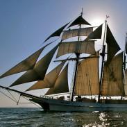 El barco escuela que soñaba Felipe Cubillos.